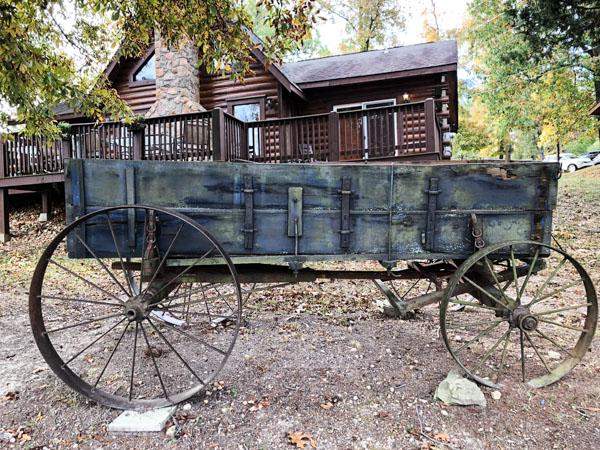 MEMORY MAKER CABINS wagon (1 of 1) -Pet Friendly Branson Mo. Hotels
