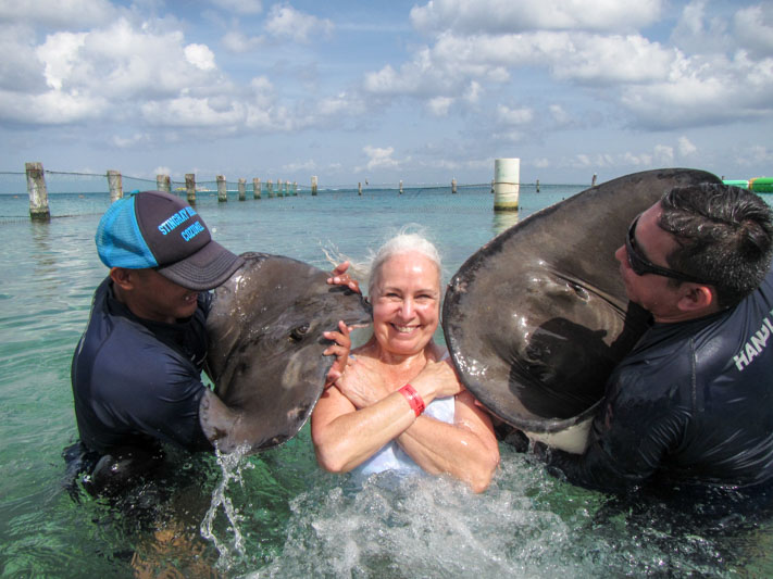 Patsy Kiss Every Body Loves Rays Patsy - Western Caribbean
