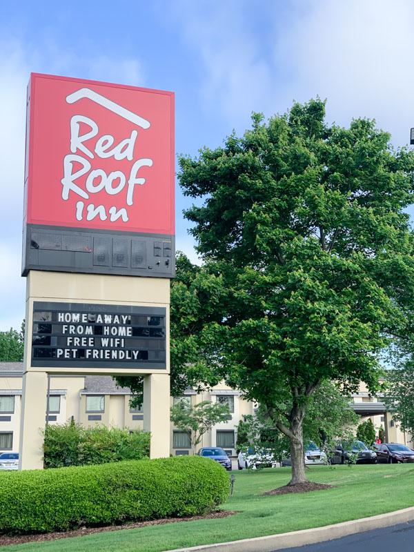 Red Roof Inn Tupelo ~ Dog Friendly Hotel