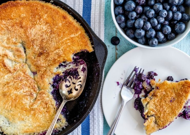 cast iron skillet blueberry cobbler with blueberries