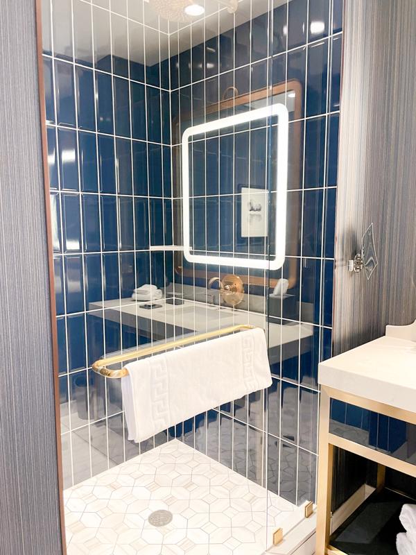 Omni Hotel Oklahoma City shower